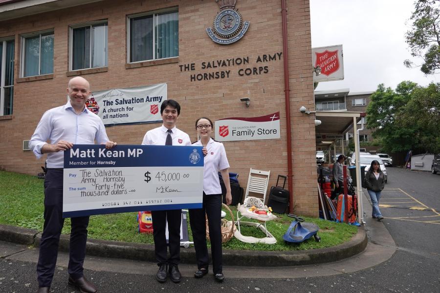Matt Kean visits Hornsby Salvation Army