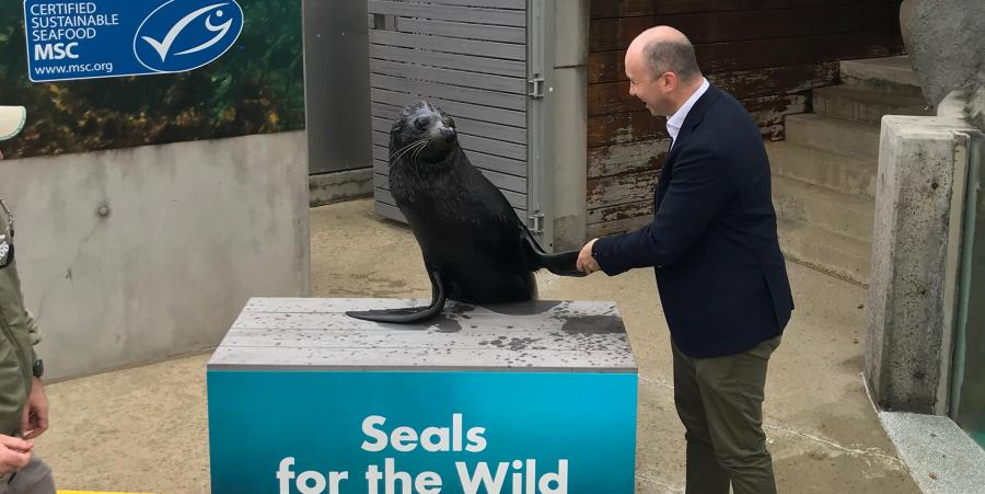 Minister Kean visits Taronga Zoo