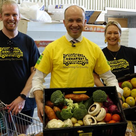 Matt Kean MP delivers with OzHarvest