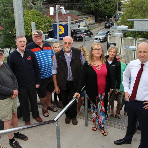 Matt Kean MP campaigns for lift at Hawkesbury River Station