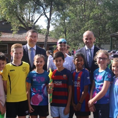 Thornleigh students bathed in colour for Gold Coast Games
