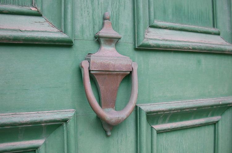 RIVERINA WARNED AGAINST DODGY DOOR KNOCKERS