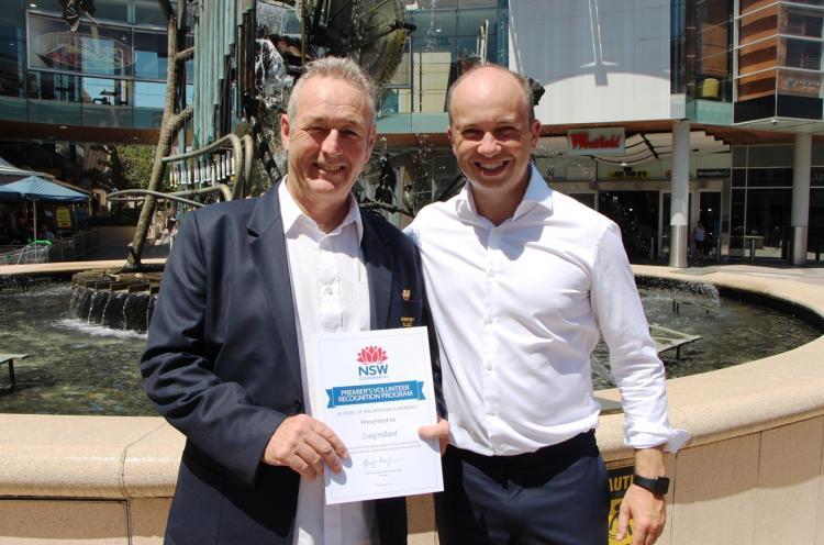 Volunteer Craig Holland and Matt Kean MP