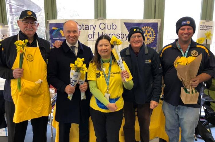 Minister Kean on Daffodil Day with Hornsby Rotary