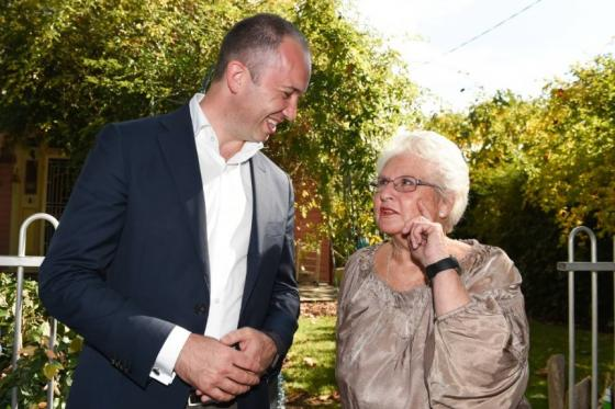 Minister for Innovation and Better Regulation Matt Kean MP with local Holbrook resident Ruth Dinsdale